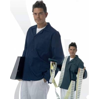 Bata corta de hombre tipo chaquetilla , un bolso en pecho y dos laterales. WTB7200