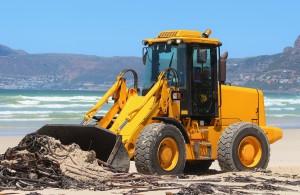 Llega el verano y la limpieza de playas se activa